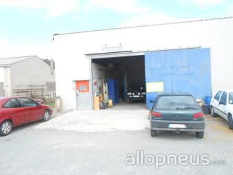 Pneu montlaur garage du congoust centre de montage for Garage montage pneu