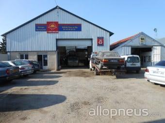 centre montage de pneus CREVECOEUR LE GRAND