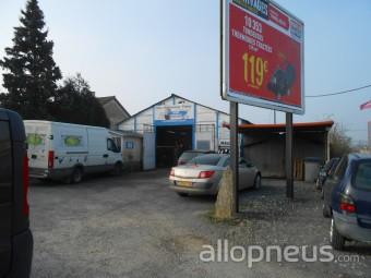 Pneu poitiers eric charbonnier pneus centre de for Garage moto poitiers