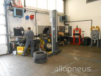 centre montage de pneus SOMAIN