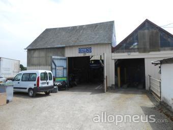 centre montage de pneus ST PAVACE