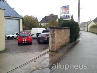Pneu menilles garage des hannebaux centre de montage for Garage montage pneu