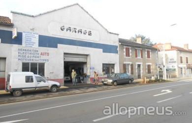 pneu lussac les chateaux garage moderne point ForGarage Lussac Les Chateaux