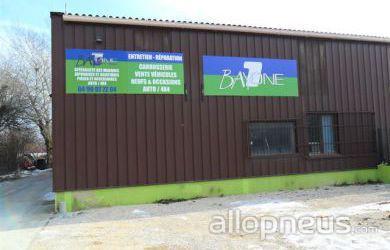 Pneu pertuis bay1one centre de montage allopneus for Garage auto pertuis
